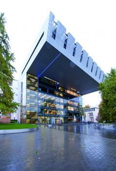 Ambitionierte Architektur: das SuperC, das neue Servicezentrum der Rheinisch-Westfälischen Technischen Hochschule Aachen
