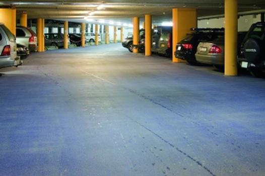 Bodenbeschichtung in einem Parkhaus mit Silikal EP OS 8 System