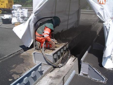 Korrosionsschutzarbeiten an der verbleibenden Konstruktion
