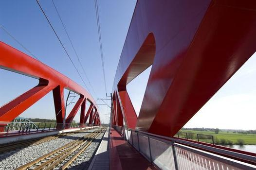 Zwolle Railroad Bridge, Spectacular new bridge over the Ijssel