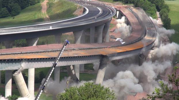 Sprengung der alten Sinntalbrücke