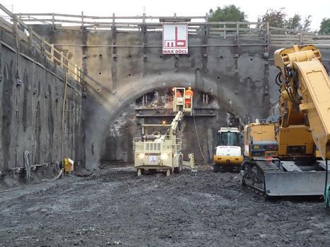 Tunnelportal vor dem Tunnelanschlag