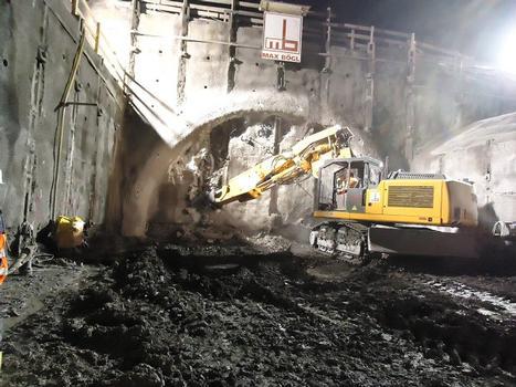 Tunnelfräse vor dem Tunnelanschlag