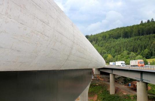 Sinntalbrücke Bad Brückenau – Schalwagen TU verleiht Brückenkappe Eleganz