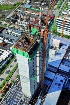 Die Stahlbetonkonstruktion wird kranunabhängig mit einer ACS Selbstkletterlösung errichtet. Die horizontalen Elemente des Büroturms werden als Stahlkonstruktion ausgeführt