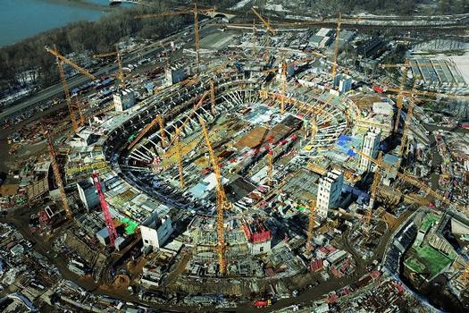 Das neue Warschauer Nationalstadion verfügt über 55000 Sitzplätze und dient als Austragungsort von fünf Spielen bei der Fußball-Europameisterschaft 2012