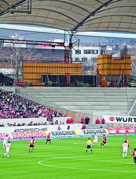 Abriss und Neubau der Untertürkheimer Fankurve erfolgen während des laufenden Bundesliga-Spielbetriebs