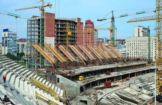 Das Olympiastadion in Kiew weist nach der Erweiterung und Modernisierung 70.000 Sitzplätze auf und ist Austragungsort des EM Finalspiels am 1. Juli