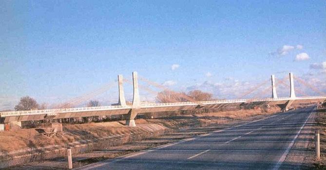 Autobahnbrücke der A4 über den Donaukanal bei Wien