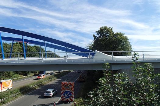 Eisenbahnüberführung der Autobahn A 4 in der Nähe der Anschlussstelle Düren