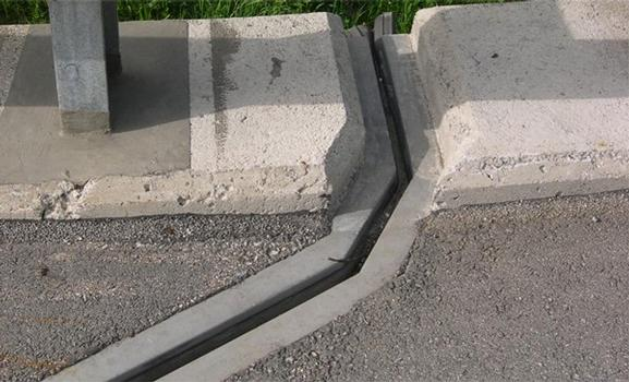 Horizontal bend of an RS Expansion Joint