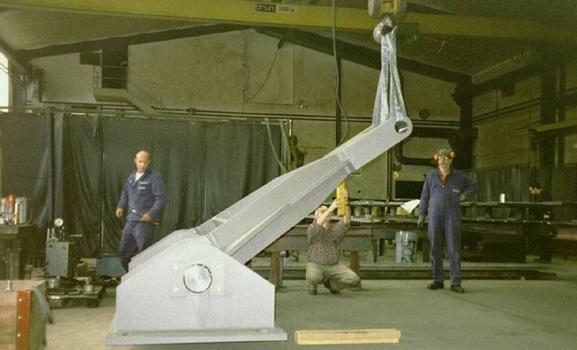 Testversuche an einem Horizontalkraftlager (Wind Shoe)