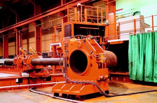 Heißbiegen von Rohren mit einem Durchmesser von 914 mm