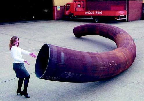 Rohr mit einem Durchmesser von 914 mm als Spirale