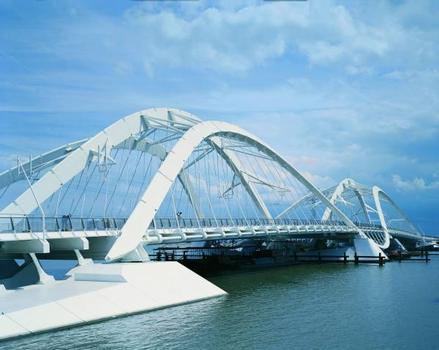 Enneus Heerma Bridge