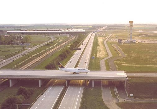 Taxiway Bridge East at Leipzig/Halle Airport