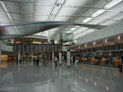 Aéroport de Munich: Aérogare 2 - Hall central