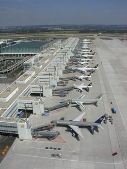 Aéroport de Munich: Aérogare 2 avec jetée