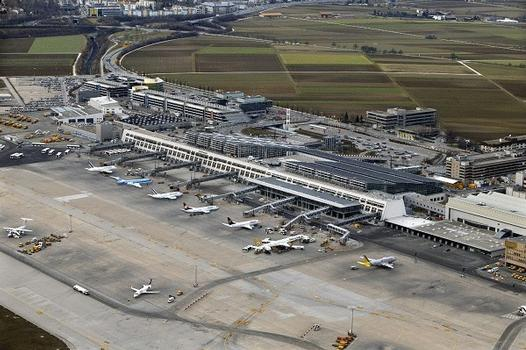 Flughafen Stuttgart  Terminals 1 und 3.