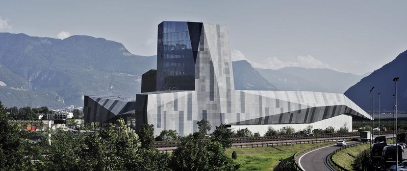 Mut zum Symbol – der neue Hauptsitz des Alpinsport-Unternehmens Salewa