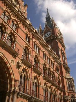 Historisches Bahnhofsgebäude St. Pancras Station, London