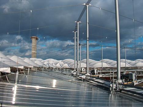 Waldstadion Blick über den festen Bestandteil des Daches