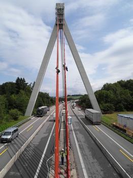 Talbrücke Obere Argen in Bearbeitung durch Höhenarbeiter