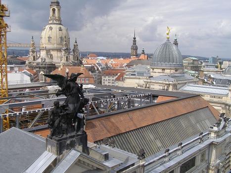 Blick von oben in die Arche in Richtung Frauenkirche