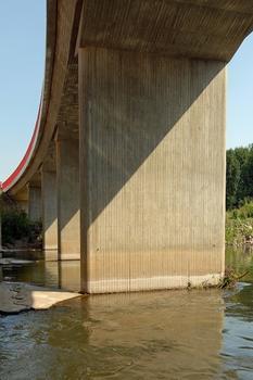 Saalebrücke Naumburg-Roßbach (B 180) - Pfeilerscheiben und Radius Überbau
