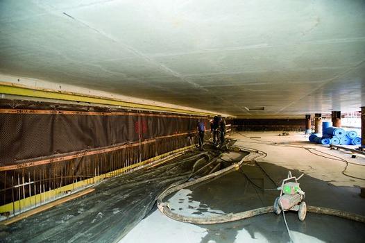 Einfüll- und Entlüftungsrohre ermöglichen das nachträgliche Einbringen des Wandbetons