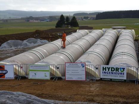 In nur 11 Stunden konnte der HOBAS Trinkwasserbehälter mit 600 m³ Nutzinhalt installiert werden