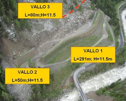 Steinschlagschutzdammsystem zum Schutz der Autobahn SR 47 in Cogne im Valle d'Aosta/Italien