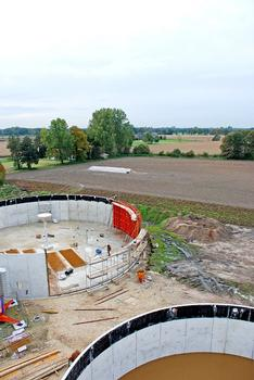 Aus dem Feld in den Tank: Biogas-Anlagen bringen saubere Energie und boomen dank Förderprogrammen