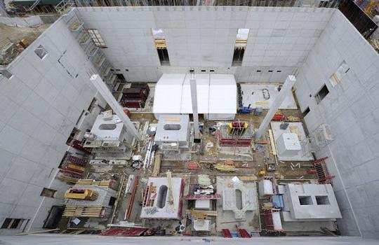 Neubau eines Präzisionslabors am Max-Planck-Institut in Stuttgart: Hier entstehen ingesamt elf Versuchsblöcke mit eisenfreier Bewehrung