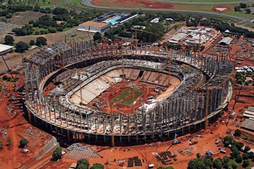 Mit wirtschaftlichen und technisch anspruchsvollen Schalungslösungen sowie einer kontinuierlichen Beratung und der strikten Einhaltung der Liefertermine hat die ULMA Construcción dazu beigetragen, dass die Rohbauarbeiten am Nationalstadion fristgerecht umgesetzt werden konnten