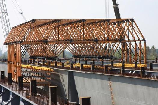 Deck flange form carrier in Poland