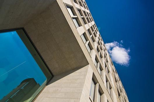 Büro- und Verwaltungsgebäude der Stiftung Waisenhaus, Doppelt dämmt besser