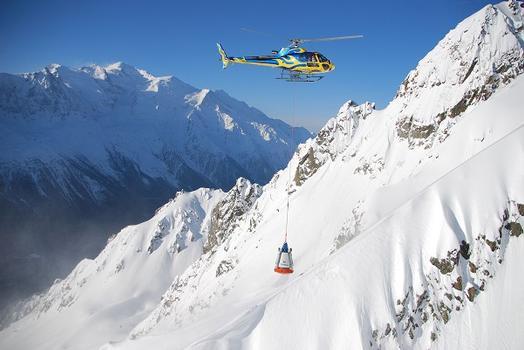 Einsatz der Daisybell® in Chamonix/Frankreich bei einer Lawinenauslösung vom Hubschrauber aus
