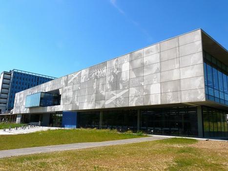 Fotogravurbeton an der Fassade der Universität Paul Sabatier in Toulouse/Frankreich