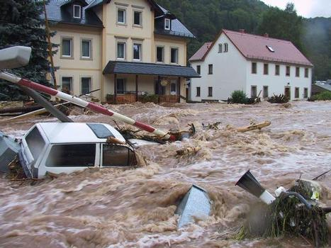 Strömendes Wasser entwickelt zerstörerische Kräfte