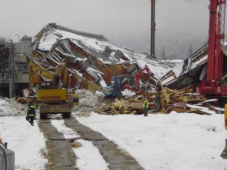 Eishalle in Bad Reichenhall: eingestürztes Hallendach
