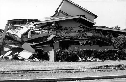 Ein völlig zerstörtes Gebäude in Chengdu/China