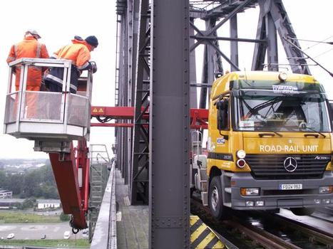 An overdue bridge inspection has been performed with a WEMO-tec road-rail MBL 1.600T unit