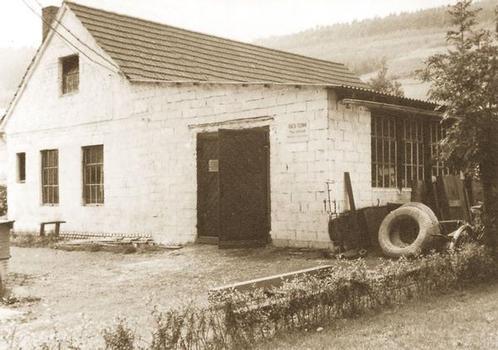 Start der TRACTO-TECHNIK 1962 in einer Garage