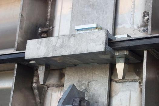 Sicherungsjoch für den horizontalen Systemverbund (neues Bild)
