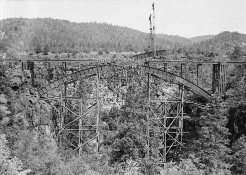 Cedar Canyon Bridge, Spanning Cedar Canyon at Highway 60, Show Low vicinity, Navajo County, AZ (HAER, ARIZ,9-SHLO.V,1-21)