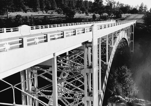 Cedar Canyon Bridge, Spanning Cedar Canyon at Highway 60, Show Low vicinity, Navajo County, AZ (HAER, ARIZ,9-SHLO.V,1-22)