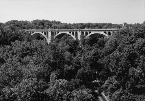 Connecticut Avenue Bridge (William H. Taft Bridge), Washington, D.C. HAER, DC,WASH,560-1)