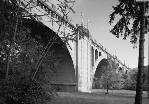 Connecticut Avenue Bridge (William H. Taft Bridge), Washington, D.C. HAER, DC,WASH,560-10)