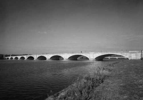Arlington Memorial Bridge. (HAER, DC,WASH,563-1)